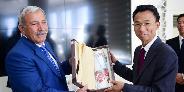 Çin Büyükelçisi'nden Büyükşehir Belediyesi'ne ziyaret