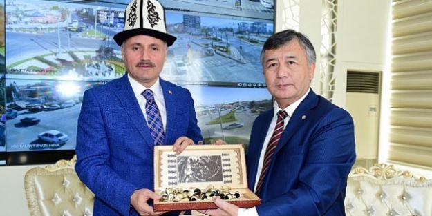 Kırgızistan Büyükelçisinden Malatya Ziyareti