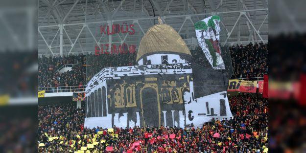 Yeni Malatya Stadyumu'nda 'Kudüs koreografisi'