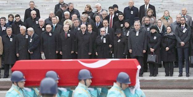 Malatya Eski Milletvekili Doğan Toprağa Verildi