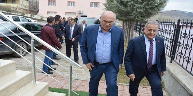 AK Parti'li Çakar Kuluncak'ı Ziyaret Etti