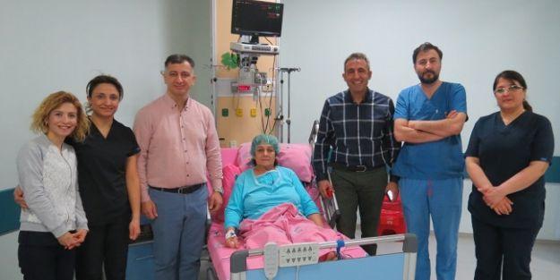 Aort damarı yırtılan hasta ameliyatsız tedavi edildi
