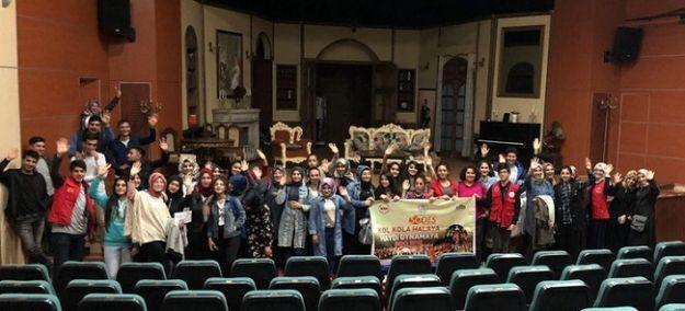 Gençler Tiyatroyla Buluştu