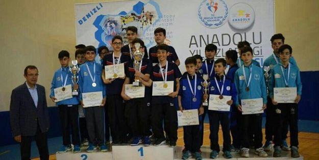 Badmintoncular Türkiye ikincisi oldu