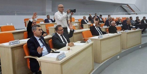 Mecliste Çoğunluk 'Telefon Çağrısı'yla Sağlanabildi