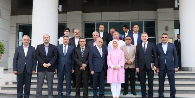 Ticaret Borsası heyeti Bakan Fakıbaba ile görüştü