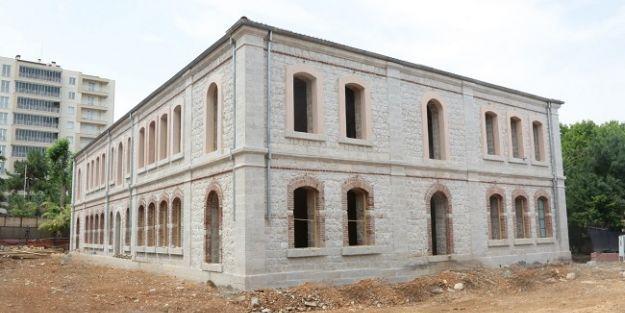 Askerlik Şubesi'nde restorasyon çalışmaları sürüyor
