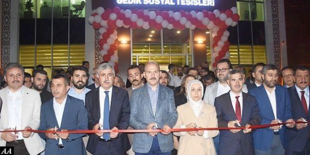 """'Erdoğan 300 Yıllık Gerileme Dönemini Bitirdi"""""""