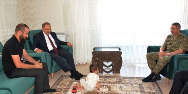 Gazi ve şehit ailesine ziyaret