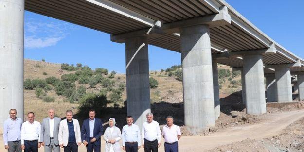 Hasançelebi'deki 385 metre uzunluğundaki viyadük inşaatı sürüyor
