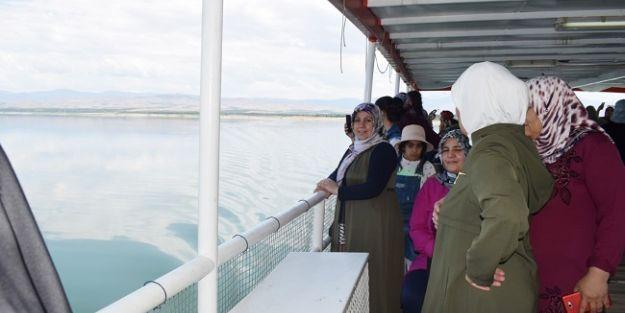 Kent Konseyi'nden kadınlara tekne turu