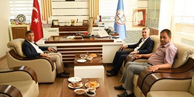 Başkan Çınar'dan Milli Eğitim Müdürü'ne ziyaret