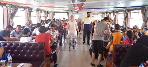 Kent Konseyi'nden çocuklara tekne turu