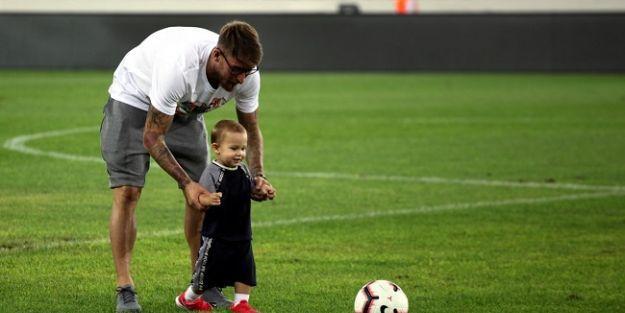 Ömer Şişmanoğlu ve oğlu Elias Ömer'den futbol şovu