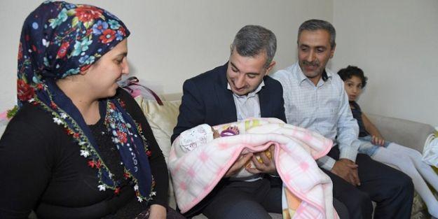 Başkan Çınar, 11 bin 600ncübebeği ziyaret etti