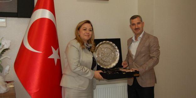 Çınardan Rektör Prof. Dr. Karabuluta ziyaret