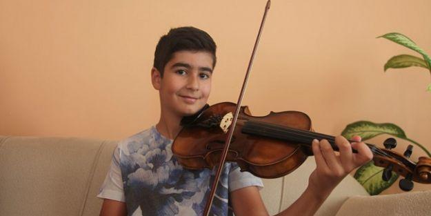 Genç Mozart Ali İnsan, Mozart Klasik Müzik Ödülü'nü aldı