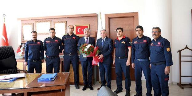 İtfaiyeciler Başkan Polat'ı ziyaret Etti