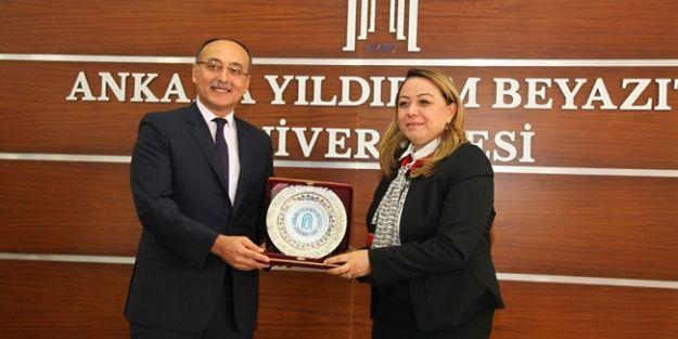 Rektör Prof. Dr. Karabulut için AYBÜ'de veda töreni düzenlendi