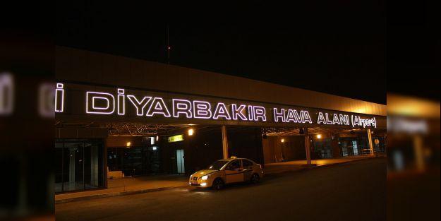 Malatya'ya inemeyen uçak Diyarbakır'a indi