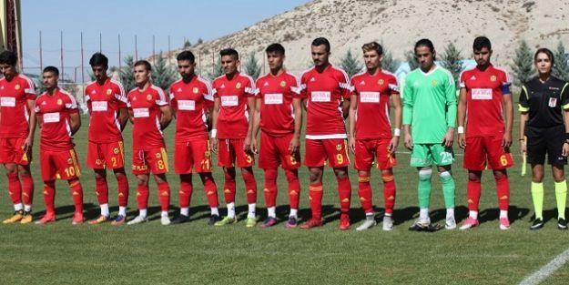 U21 ilk galibiyetini aldı, U19 son sırada, U17 farklı mağlup