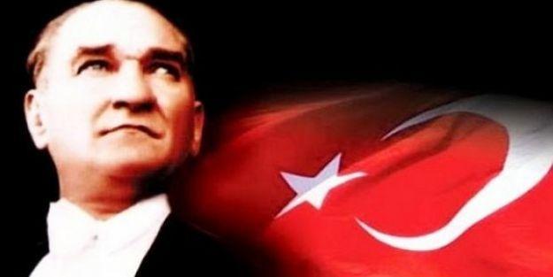Atatürk 80. Ölüm Yıldönümünde Anılıyor