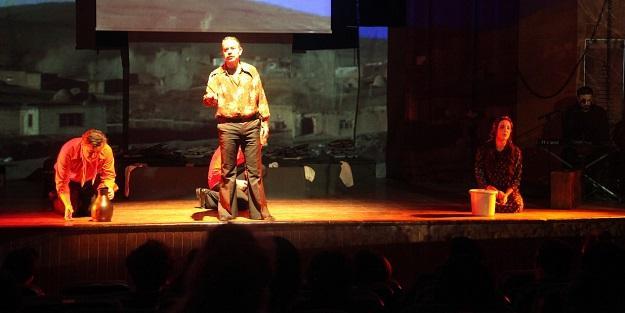 'Mahzuni Şerif'adlı müzikli oyun sergilendi