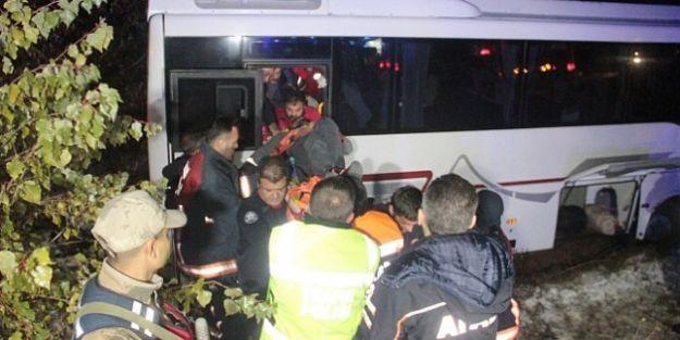 Malatya- Diyarbakır Midibüsü Kaza Yaptı.. 17 Yaralı