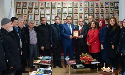 Gürkan, Şehit Aileleri Vakfı'nıziyaret etti