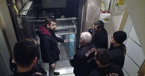 İtfaiye personeline 'asansör' eğitim