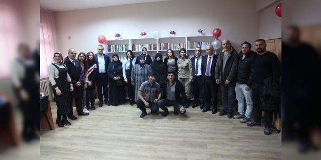 Şehit Miraç Gürhan kütüphanesi açıldı