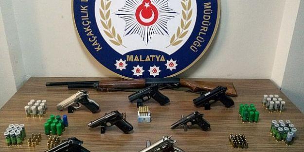 Silah ticareti ve kaçakçılığı yapanlara operasyon: 5 gözaltı