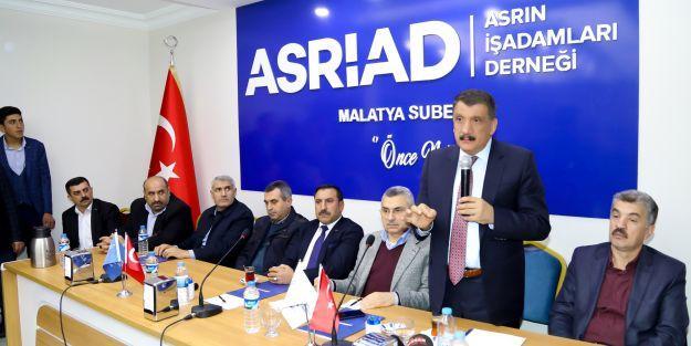'Türkiye'ye rol model olacak hizmetlere imza attık'