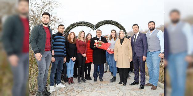 Başkan Gürkan, 'Gençlik ve Gelecek' konulu söyleşiye katıldı