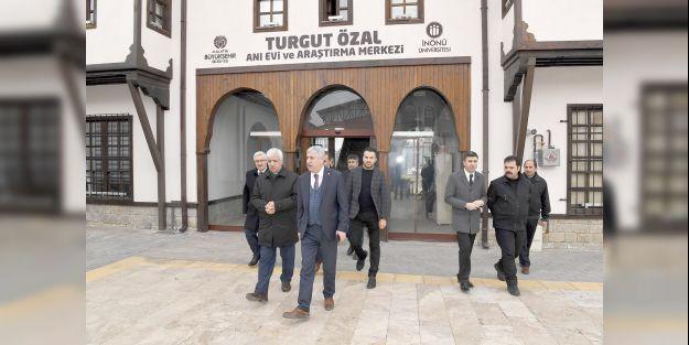Başkan Polat Turgu Özal Anı Evi'ni ziyaret etti