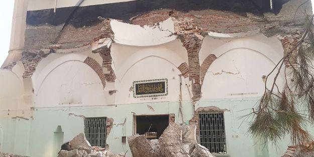 Kernek Camii'nde Yıkım Yeniden Başladı