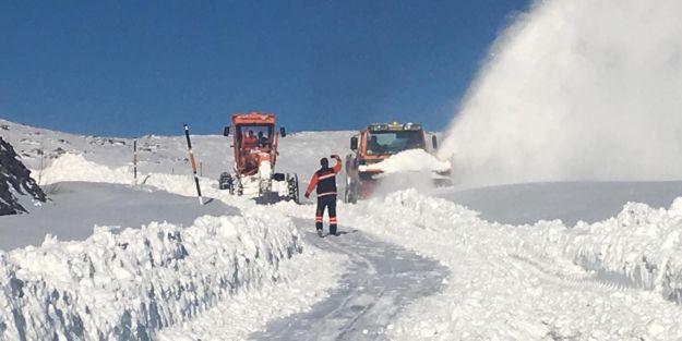 Yollarda kar mücadelesi sürüyor