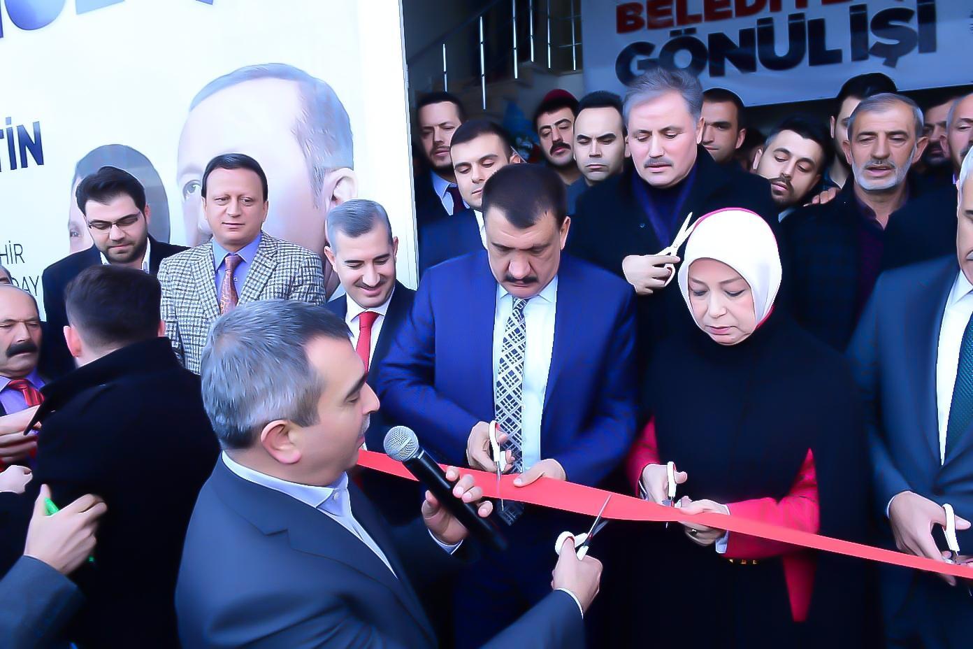 AK Parti adaylarının ortak seçim bürosu açıldı