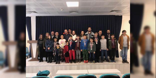 Atatürk'ün Malatya'ya gelişi dolayısıyla satranç turnuvası düzenlendi