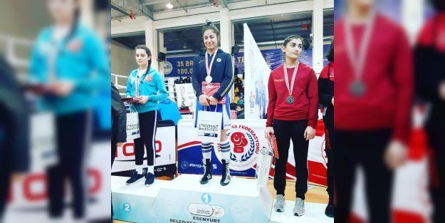Kadın boksörler, Türkiye şampiyonasından derecelerle döndü