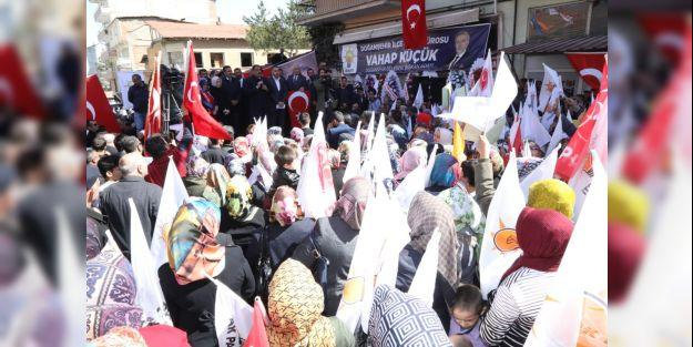AK Parti'nin Doğanşehir'de seçim bürosu açıldı