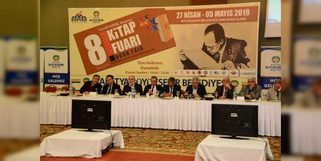 Polat, '300'den fazla yazarımız programımıza gelecek'