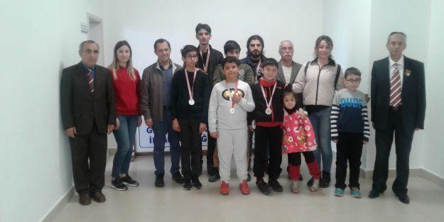 23 Nisan Satranç Turnuvası Yapıldı