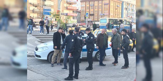 Polis aracına ateş açıldı