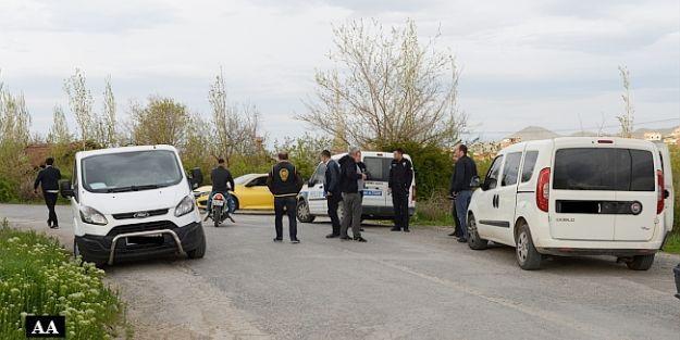 Silahlı Kavgada Polise de Ateş Açıldı