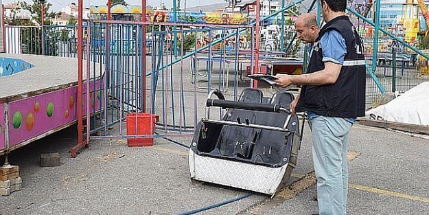 Lunapark'ta Vagon Koptu, 1 Çocuk Yaralandı