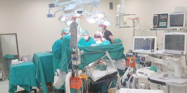 TÖTM'de aynı anda 5 karaciğer nakil operasyonu