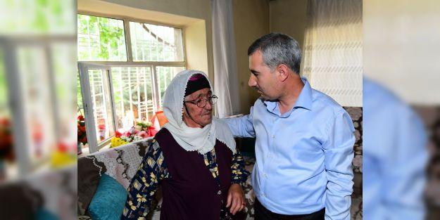 Başkan Çınardan yaşlılara ziyaret