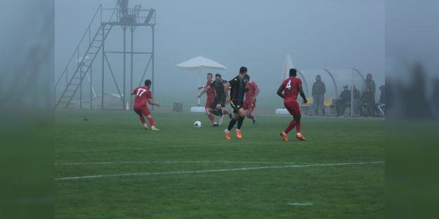 YMS'nin hazırlık maçı sis nedeniyle yarıda kaldı