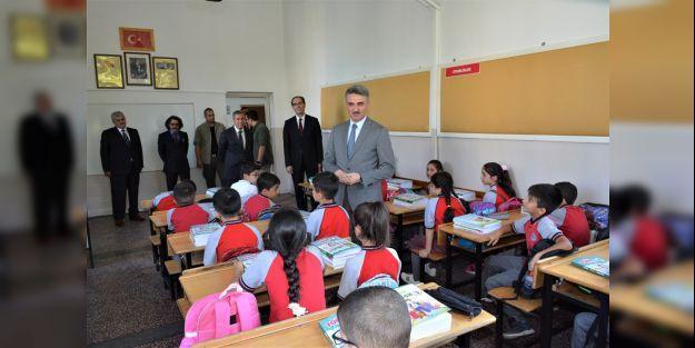 173 Bin 978 Öğrenci Ders Başı Yaptı